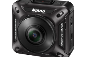 Nikon Keymission 360 comes supplied with several accessories