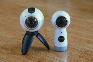 Photo and video comparison between 2017 Gear 360 and original Samsung Gear 360