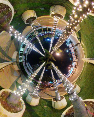 handheld Insta360 ONE sample low light photo with auto exposure settings
