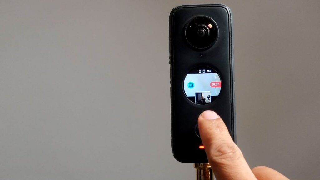 Multiview in 360: see a stabilized view of yourself while shooting in 360